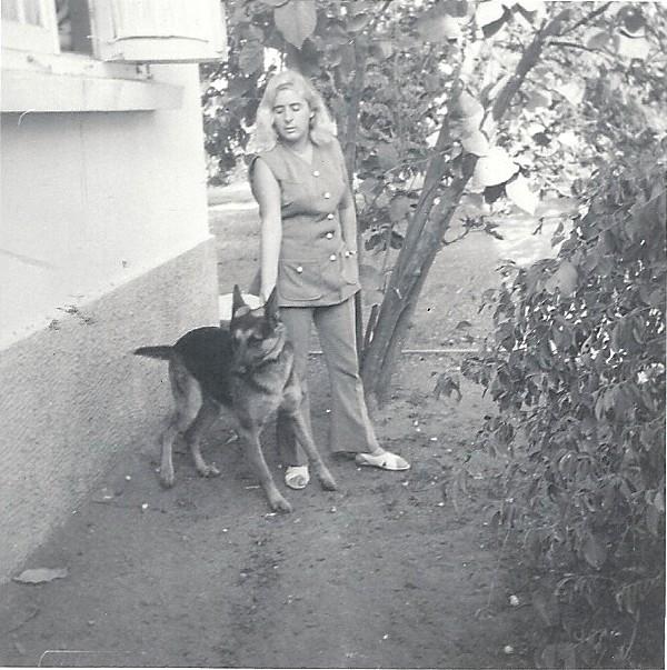 Joanne met Raya